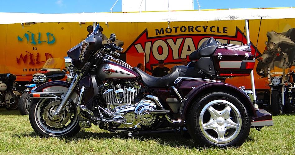 Harley-Davidson-Dresser-PTM-Purple-ish-Maroon-and-Silver-14-in-Standard-1
